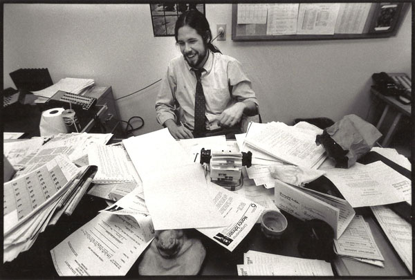 Smith a desk when he worked at Charleston's The Post and Courier.