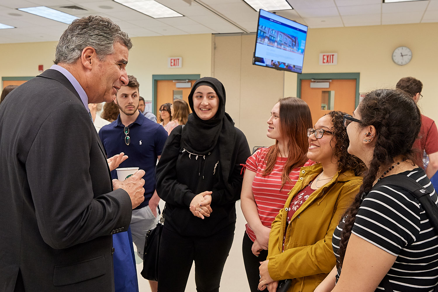 President designate Tom Katsouleas meets with faculty, staff and students at the Waterbury campus